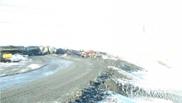 Сход вагонов с серной кислотой в Свердловской области