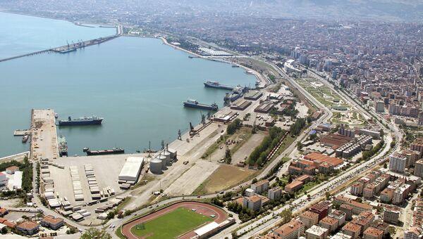 Общая панорама Самсуна. Вид на порт. Архивное фото
