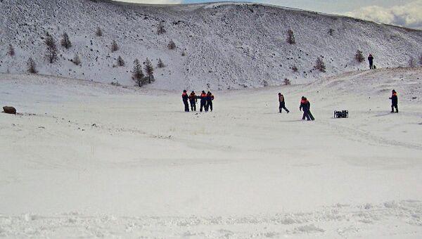 Спасатели возобновили поиски детей, попавших под лавину в Туве
