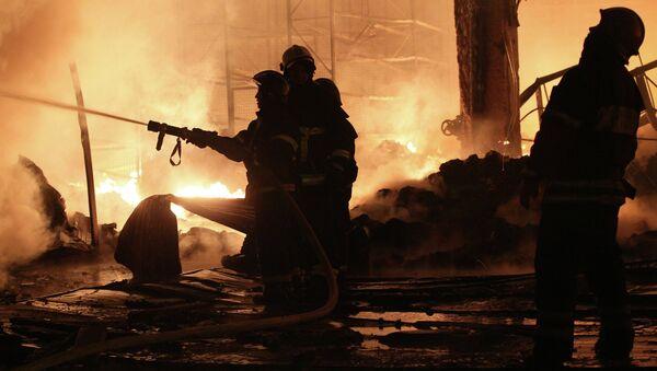 Сотрудники пожарной охраны, архивное фото