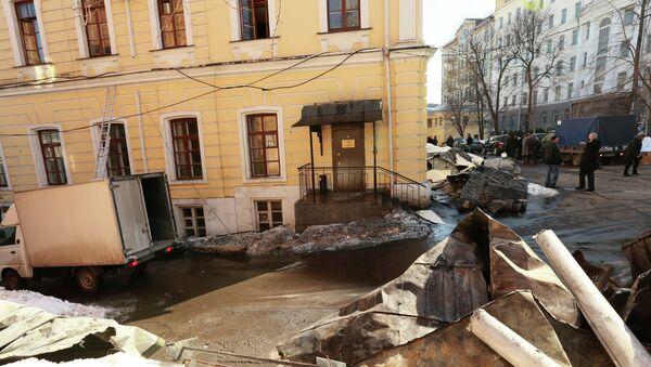 Здание ГИТИС после пожара