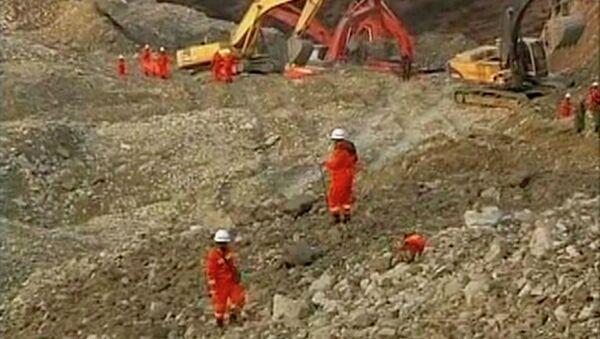 Поиски горняков под завалами в Тибете
