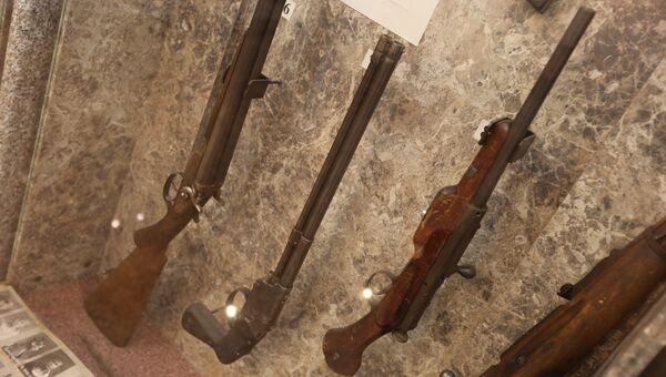 Оружие, изъятое на месте преступления