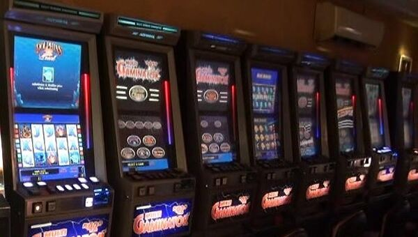 Игровые автоматы. Архивное фото