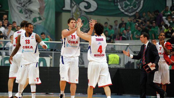 Баскетболисты ЦСКА Сонни Уимз, Виктор Хряпа, Милош Теодосич и Аарон Джексон (слева направо)