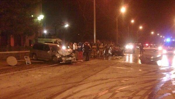 Два человека заживо сгорели в иномарке в Новосибирске