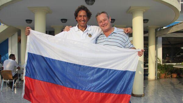Путешственник Альваро де Маричалар с Генеральным консулом России на Кубе Михаилом Евдокимовым