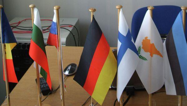 Флаги участников европейского образовательного проекта  VIA LIGHT 2012-2013