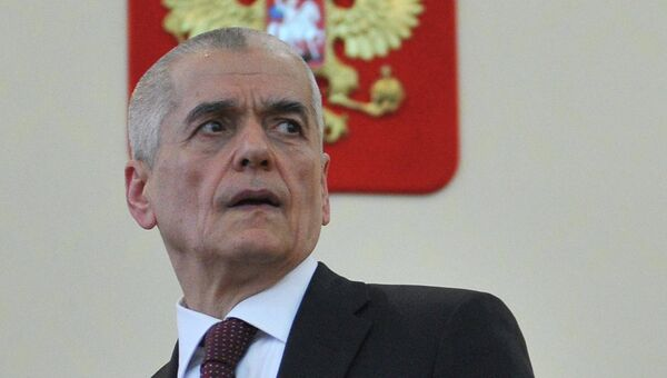 Глава Роспотребнадзора Геннадий Онищенко. Архив