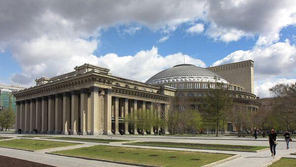 Оперный театр в Новосибирске. Архивное фото