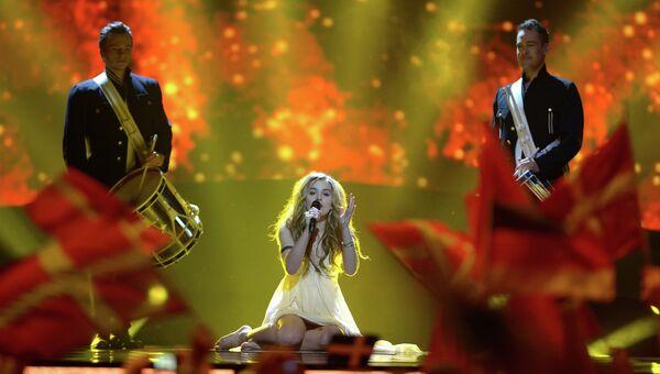 Эммили де Форест в финале Евровидения-2013