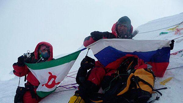 Лейла Албогачиева, первая в истории Ингушетии женщина-альпинист, на Эвересте. Архивное фото