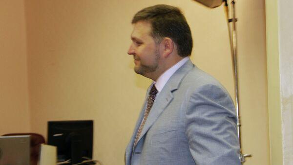 Губернатор Кировской области Белых прибыл в суд на допрос по делу Кировлеса