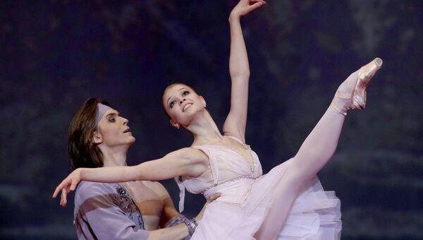 Артисты балета Анжелина Воронцова и Денис Родькин. Архив