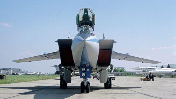 Сверхзвуковой всепогодный истребитель-перехватчик дальнего действия МиГ-31