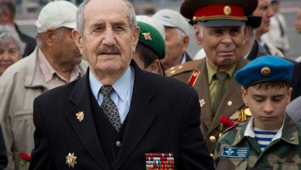 Председатель Владивостокского городского совета ветеранов войны и труда Яков Григорьевич Кан