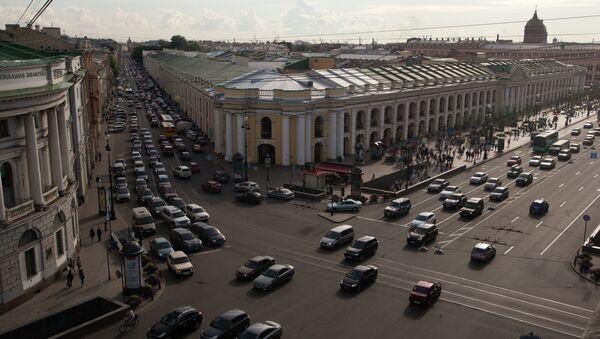 Перекресток Невского проспекта и Садовой улицы