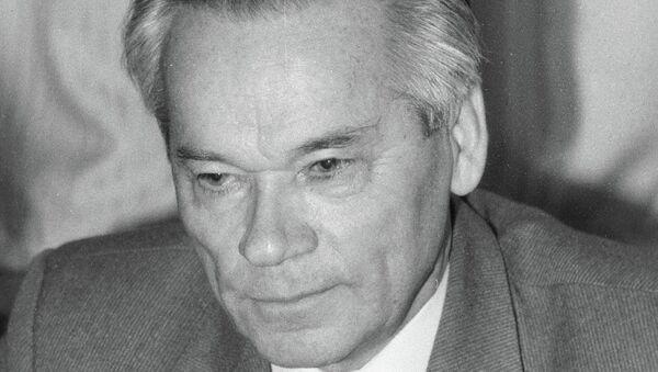 Конструктор автоматического оружия Михаил Калашников. Архивное фото.