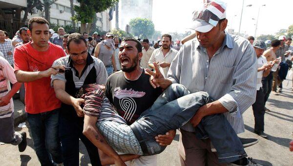 Пострадавшие во время столкновений в Каире, Египет