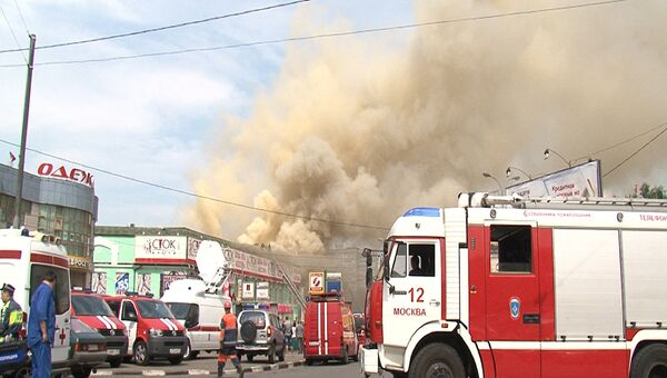 Пожар в торговом центре в московском районе Лефортово
