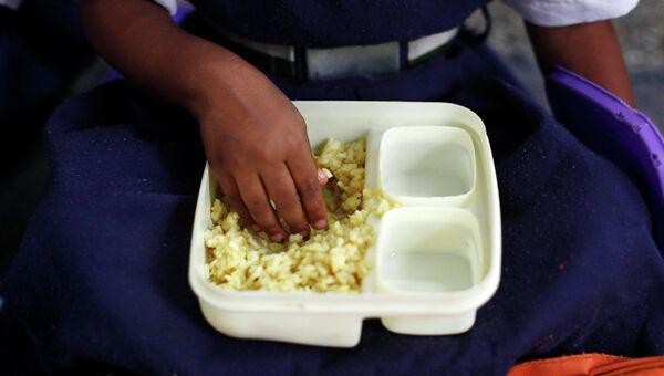 Школьный обед в Индии