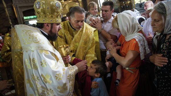 Божественная литургия во Владимирском кафедральном соборе Украинской православной церкви. Архивное фото