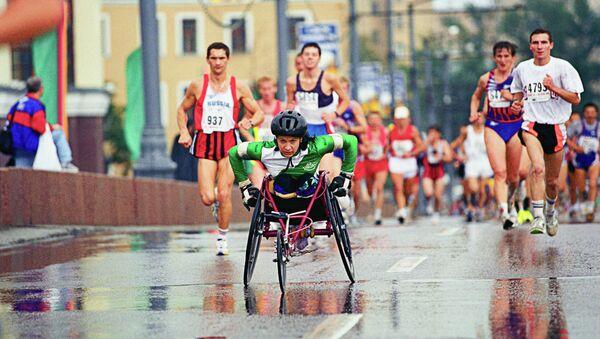 Девушка инвалид-колясочник