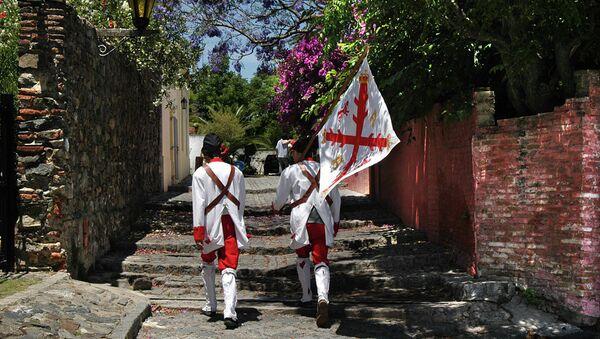 Пеший патруль в уругвайском городе. Архивное фото