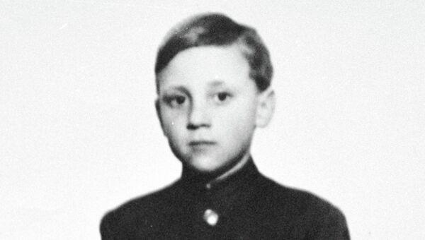 Владимир Высоцкий в детские годы