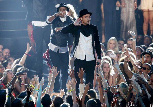 Певец Джастин Тимберлейк во время выступления на MTV Video Music Awards