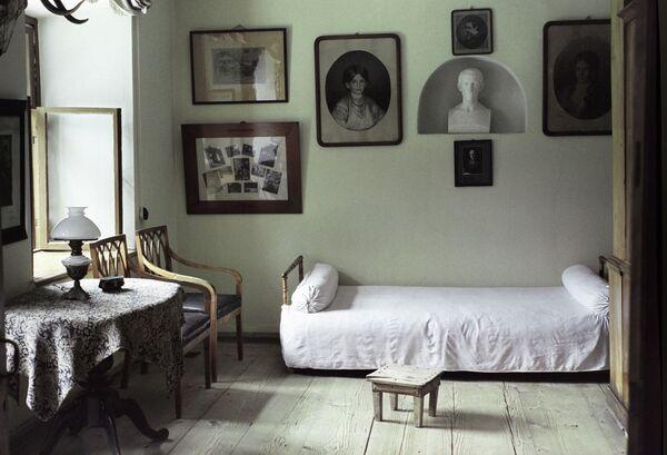 Комната для приезжающих в доме-музее Толстого