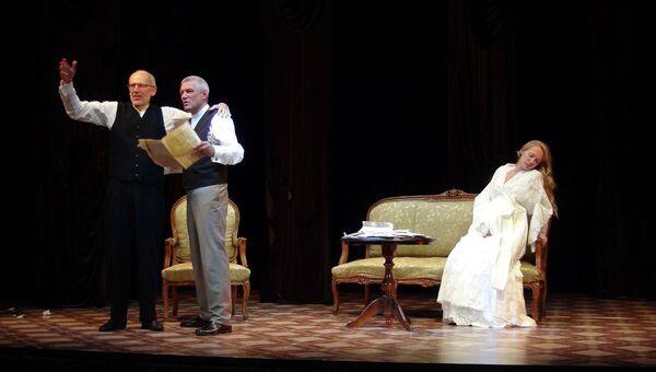 Сцена из спектакля Лондонский треугольник в театре Школа современной пьесы, архивное фото