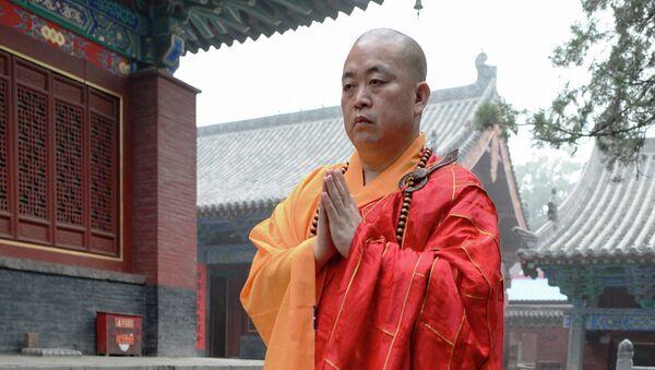 Настоятель Шаолиньского буддийского монастыря Ши Юнь Синь
