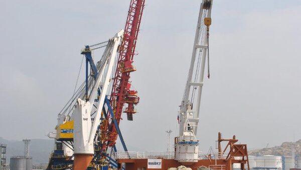 ОАО Восточный Порт получило новую судопогрузочную машину Mitsui