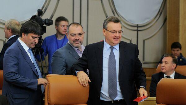 Первое заседание вновь избранного горсовета Красноярска, архивное фото