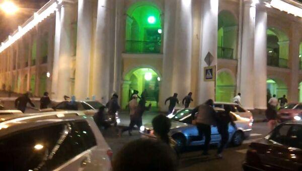 Неизвестные устроили драку и перестрелку в центре Петербурга. Архивное фото