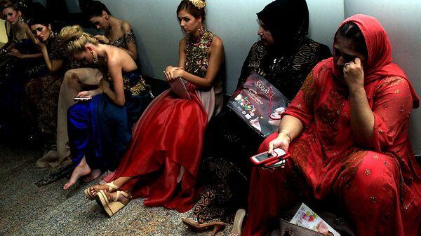 На Бали хиджабы без проблем уживаются с обнаженными плечами