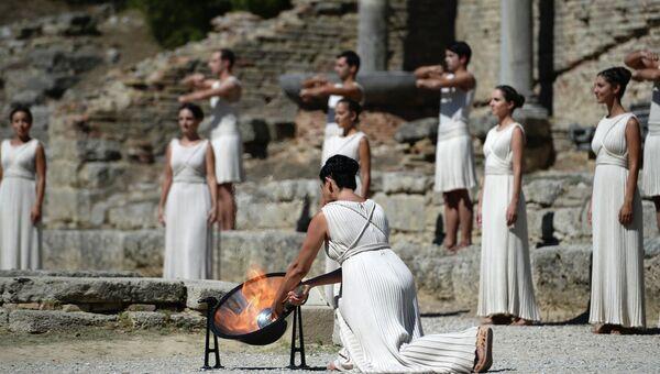 Церемония зажжения Олимпийского огня. Фото с места событий