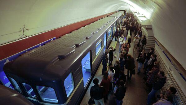 В петербургском метро. Архивное фото