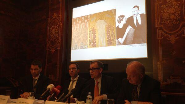 Команда адвокатов и экспертов на пресс-конференции по делу о реституции Бетховенского фриза в Вене. Фото с места события