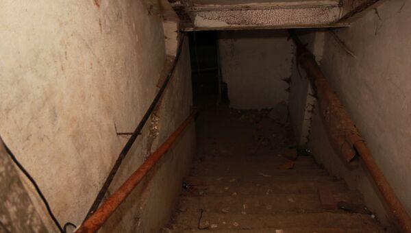Тела трех мужчин и женщины нашли в подвале дома в Новосибирске