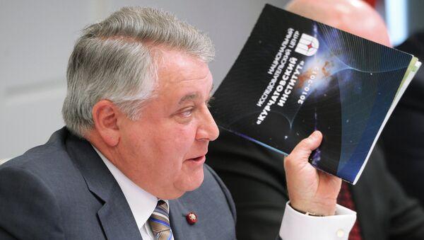 Михаил Ковальчук, архивное фото