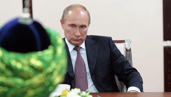 Рабочая поездка В.Путина в Приволжский федеральный округ, архивное фото