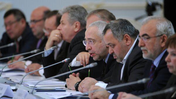 Председатель Комиссии по межнациональным отношениям и свободе совести Николай Сванидзе