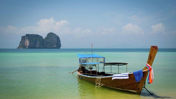 Лодка на побережье Таиланда