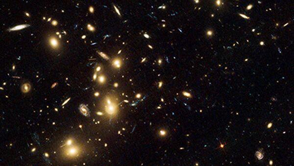 Скопление Пандоры станет первым природным телескопом, через который большая тройка космических обсерваторий попытается увидеть далекие галактики