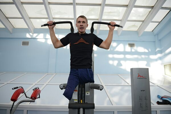 Спортсмен Алексей Быченок во время тренировки паралимпийской сборной
