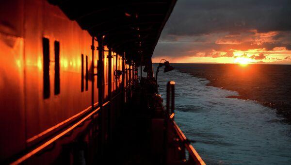 Атомный ледокол 50 лет Победы в Северном Ледовитом океане, архивное фото