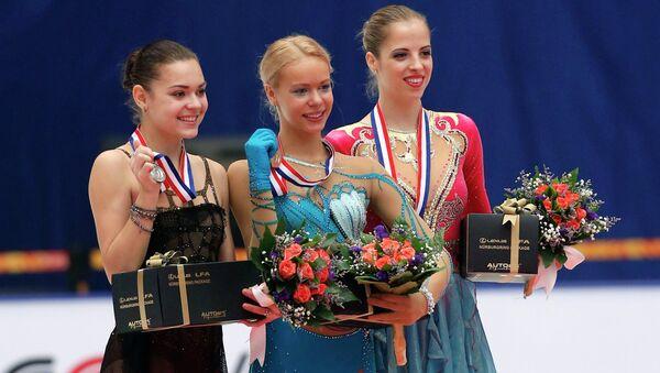 Аделина Сотникова (слева) и Анна Погорилая