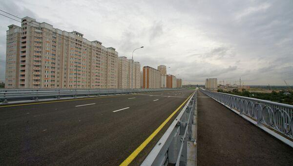 Правая эстакады Комсомольского проспекта в районе Некрасовка ЮВАО Москвы